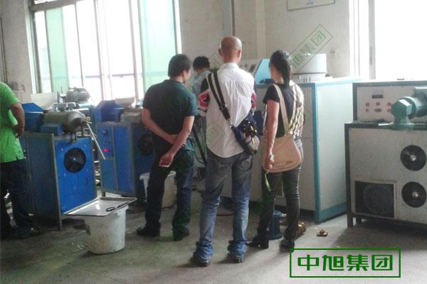 中旭米粉机品质优良,全国各地客户都到中旭米粉机厂家现场试机